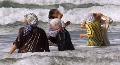 فرنسا تحاكم عائلات مغاربية بسبب ارتداء لباس البحر الإسلامي
