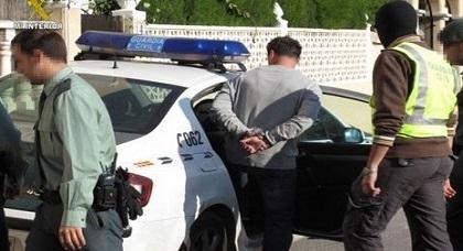اعتقال ناظوري أثناء استعدداه للفرار عبر ميناء ألميريا بعد محاولته اختطاف ستّ نساء في ظرف أسبوع