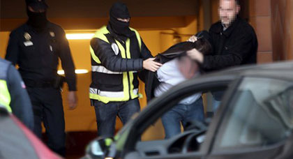 "إيقاف مهاجر مغربي أرعب ركاب ""مترو"" بإسبانيا"