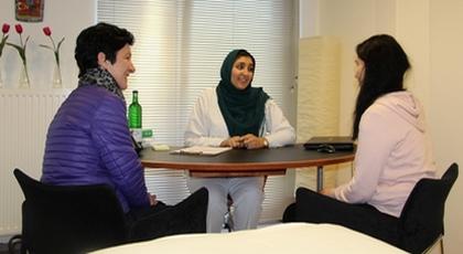 ليلى بوديح ناظورية تحدت كل العوائق لتصبح إحدى أشهر أخصائيات الطب البديل بألمانيا