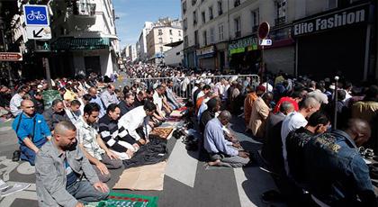 """فرنسا تعتمد """"ميثاق الإمام"""" لمحاربة الخطاب المتطرف في المساجد المتواجدة على أرضيها"""