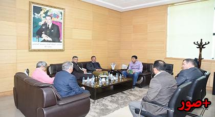 رئيس مجلس جهة الشرق يجتمع مع رؤساء الجماعات القروية بعمالة وجدة أنجاد