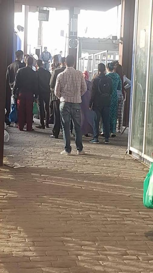 فضيحة مدوية على الحدود بمعبر مليلية.. البوليس الإسباني يسمح للمومسات بالعبور بدون جواز أو تأشيرة