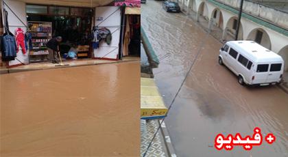 قطرات من المطر  تغرق بلدة كرونة بجماعة تمسمان في الوحل و السيول تحاصر ممتلكات المواطنين