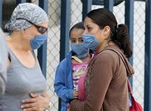توتّر مغربي إسباني بسبب ترحيل مغاربة مصابين بأنفلونزا الخنازير