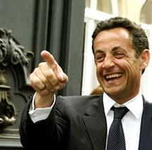 ساركوزي لديه 8 طائرات, 61 سيارة و 1000 موظف