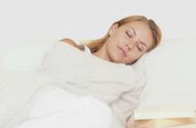دراسة: تفويت ليلة واحدة من النوم يسبب سوء التركيز