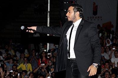 حفلات تامر حسني و حقيقة حالات الاغماء