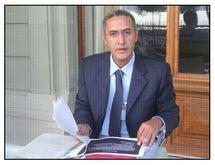 الجزائر تحتجز المناضل الأمازيغي خالد الزيراري بمطار الهواري بومدين