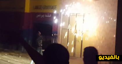 بالفيديو.. إندلاع حريق في واجهة إحدى المنازل بجعدار جراء تماس كهربائي