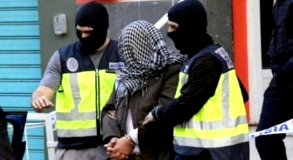 بعد فراره من الناظور إلى مليلية.. إسبانيا تعتقل زعيم خلية إرهابية جند حوالي 200 مقاتل لتنظيم داعش