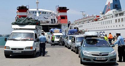نقط العبور المغربية تستقبل الى غاية 16 يوليوز أزيد من 900 ألف مهاجر