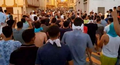 """مصادر.. اعتقال 150 ناشطا على خلفية مسيرة """"الوفاء"""" بإمزورن وهذه هي التهم المنسوبة إليهم"""