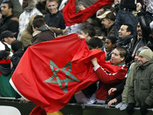 المغاربة مع الجزائر ضد مصر