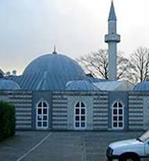 صراعات داخل المساجد بهولندا