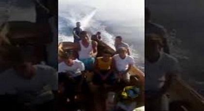 لحظة وصول قارب الموت أبحر من الريف إلى سواحل إسبانيا