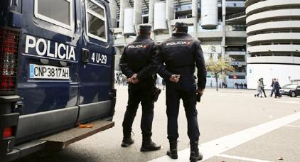 شرطة فالينسيا تلقي القبض على مواطن إسباني عرض حياة قاصر مغربي للخطر