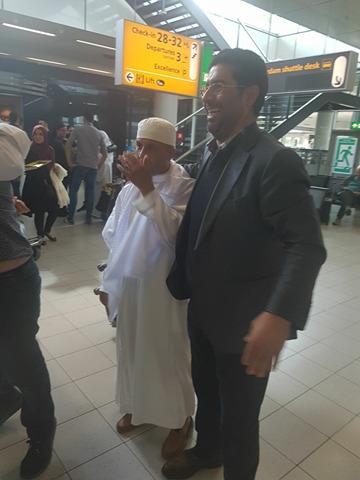 عائلات الحجاج المغاربة تستقبل ذويهم في أجواء إيمانية بمطار سخيبول بهولندا