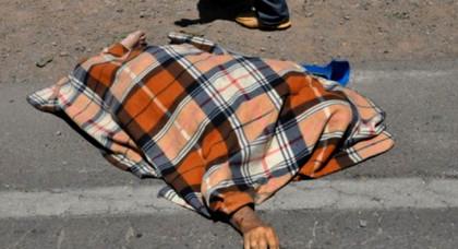 صادم.. شاحنة تهشم رأس مسن وترديه قتيلا في حادثة مروعة وسط مدينة الدريوش