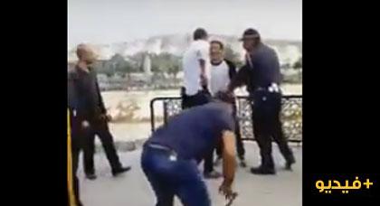 فيديو مثير.. عناصر الأمن تطارد منحرف مسلح في الشارع العام والمطاردة تنتهي بطريقة غريبة