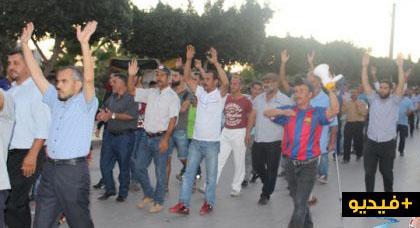 ساكنة زايو تخرج في وقفة إحتجاجية حاشدة للمطالبة بإطلاق سراح الناشط سعيد العيلي