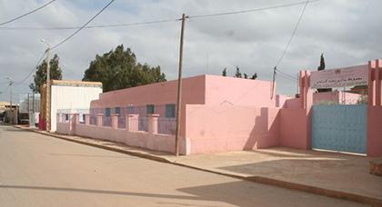 غياب علامات التشوير أمام مدرسة محمد السادس بالكبداني يضع حياة التلاميذ في خطر