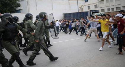 بعد تهدئة دامت زهاء شهر... نشطاء يلوحون بالاحتجاج هذا اليوم في إمزورن
