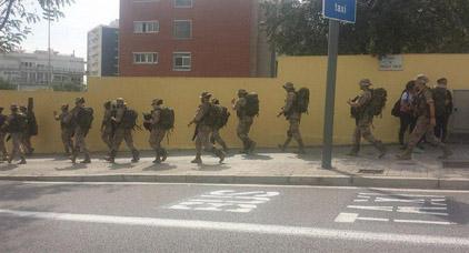 حكومة مدريد تنشر قوات من الجيش في إقليم كتالونيا وسط تحذيرات من العاهل الاسباني