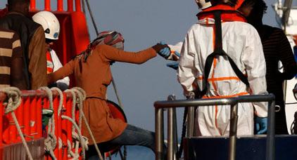 البحرية الإسبانية تنقذ 73 مهاجراً سريا انطلقوا من سواحل الحسيمة