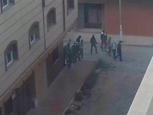 خطير بالصور: الطلبة يعيشون كابوس رعب بعدما هاجمهم ملثمون مدججون بالأسلحة وعاثوا فسادا بكلية سلوان