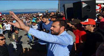 """الزفزافي يسلم رسالة للمحكمة يعلن فيه رفض المعتقلين لتصريحات """"التآمر"""" وسحبهم لتفويض الترافع من شارية وزيان"""