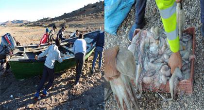 بالصور.. بحارة تمسمان يشرعون في صيد الأخطبوط بعد نهاية راحته البيولوجية الخريفية