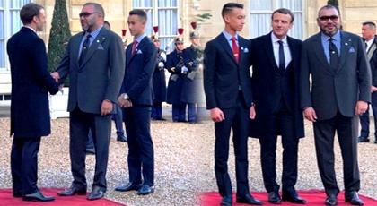 بالصور.. الرئيس الفرنسي يخص الملك محمد السادس وولي العهد باستقبال حار في الإليزيه