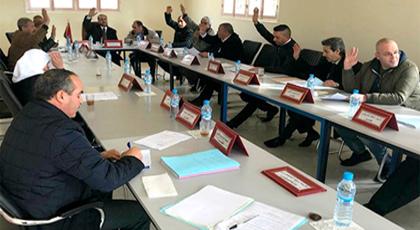 مجلس جماعة أولاد بوبكر يصادق على اقتناء قطعة أرضية لإحتضان مرافق عمومية وعدد من الإتفاقيات