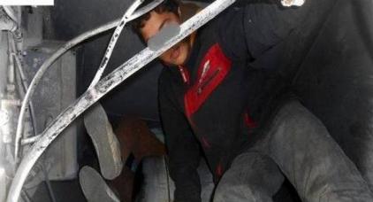 الشرطة الإسبانية توقف قاصرين مغربيين حاولا الهجرة عن طريق التسلل لمقطورة سياحية