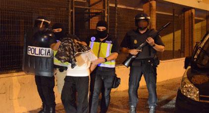 شرطة مليلية تعتقل اسبانيا وزوجته المغربية بتهمة الاتجار في المخدرات
