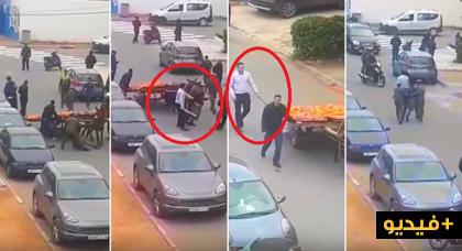 """فيديو خطير.. قائد يعنف بائعا متجولا بواسطة """"هراوة"""" ويسحله بطريقة مهينة"""