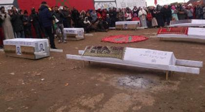 على طريقة حراك الريف.. نشطاء جرادة يحتجون في مسيرة بالنعوش