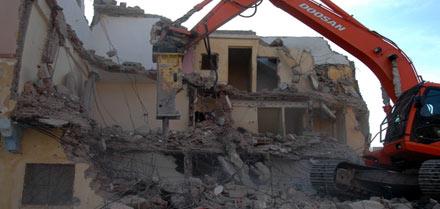 توسيع واد سيدي عثمان بزايو وراء هدم السلطات لثلاثة منازل