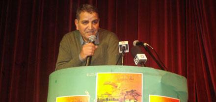 زرهون تكرم  الزجال إدريس أمغار مسناوي في مهرجان ربيع الشعر السابع