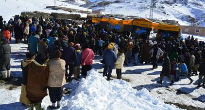 موجة البرد القارس والتساقطات الثلجية .. أزيد من 43 ألف أسرة استفادت من عملية توزيع المؤن الغذائية والاغطية