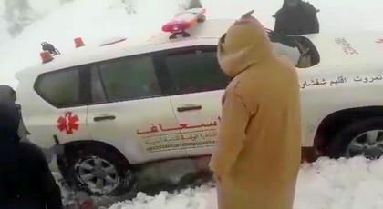 مأساة.. انقطاع المسالك الطرقية بسبب الثلوج يتسبب في وفاة طفلة ورضيع نواحي الحسيمة