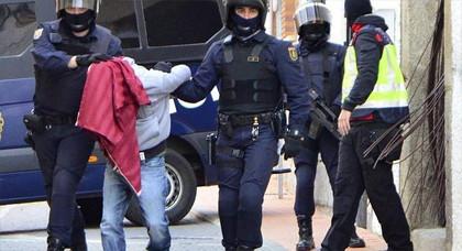 اعتقال قاصر مغربي بعد مواجهة دامية بين مهاجرين غير شرعيين