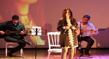 """موسيقيان ضمن فرقة الفنانة الريفية """"سيليا"""" يفضلان البقاء بأوروبا على العودة إلى المغرب"""