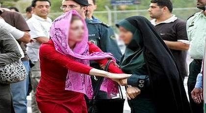 """في واقعة """"عنصرية"""" خلفت استياء عارما.. اعتداء على مهاجرة وخلع حجابها أمام ابنها الصغير في ببلجيكا"""