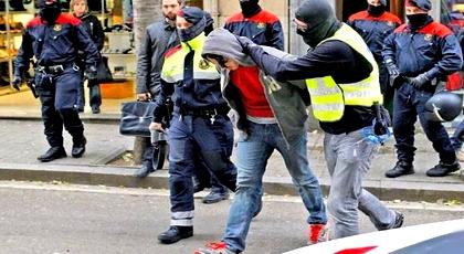 إسبانيا ترحل مغربيا نحو مليلية بسبب تهديد أمنها القومي وتمنع من دخوله لأوروبا لمدة 10 سنوات