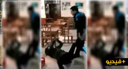 فيديو يهز دعاة الديمقراطية وحقوق الانسان.. الاعتداء على شاب مغربي بالركل والضرب والرفس باسبانيا