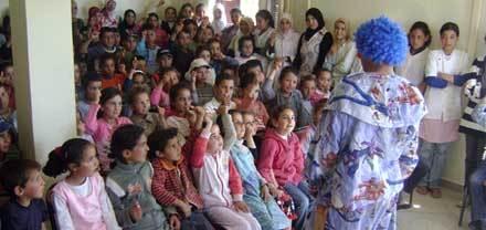 تلاميذة مجموعة مدارس أبو القاسم الشابي بجماعة بني سيدال الجبل يحتفلون باليوم العالمي للأرض