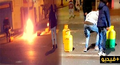 شاهدوا الفيديو.. تفجير قنينات الغاز ورشق أمنيين في احتجاجات ليلية بالداخلة