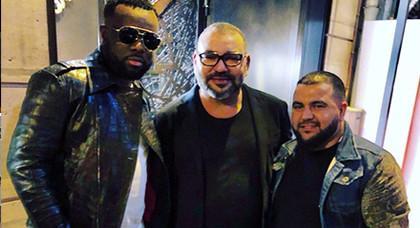 فنان عالمي يلتقي بالملك محمد السادس.. ومديره الفني يطمئن المغاربة